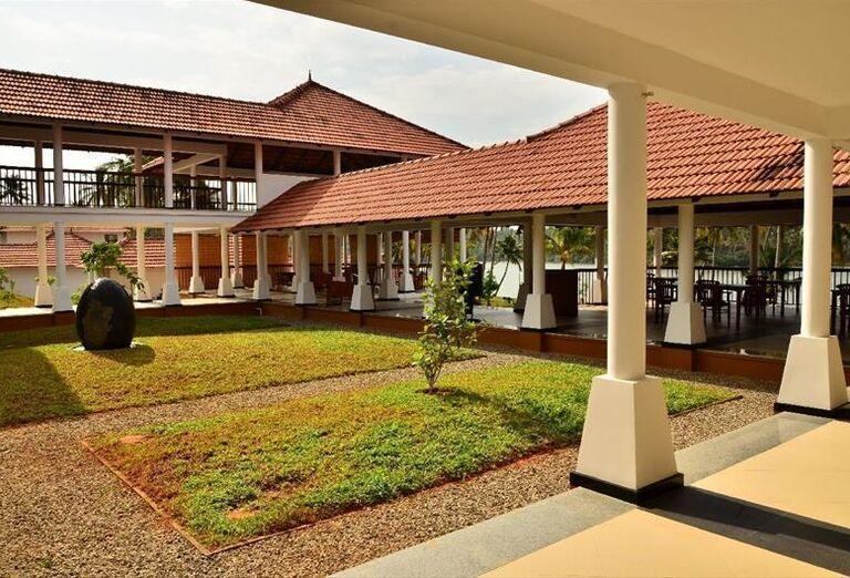 Areál hotela Kalari Rasayana Ayurveda Hospital