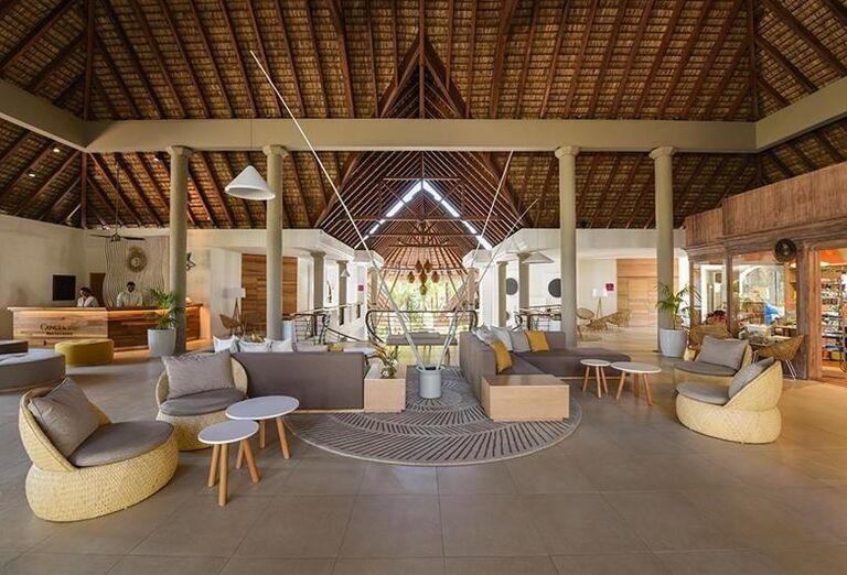 Posedenie v hoteli Canonnier Beachcomber Golf Resort & Spa
