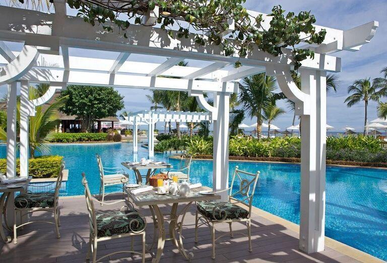 Hotel Sugar Beach - A Sun Resort Mauritius -Posedenie  pri bazéne
