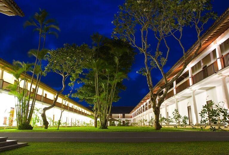 Pohľad na záhradu hotela The Fortress Resort & Spa