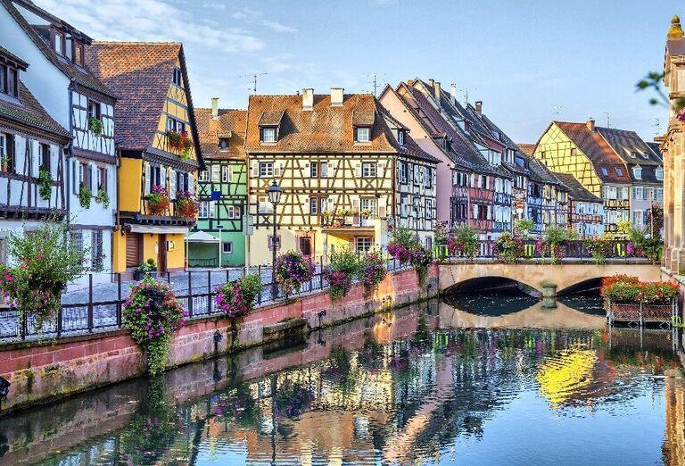 Farebné tradičné francúzske domy v Colme