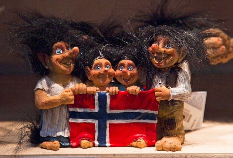 Bábky s vlajkou Nórska