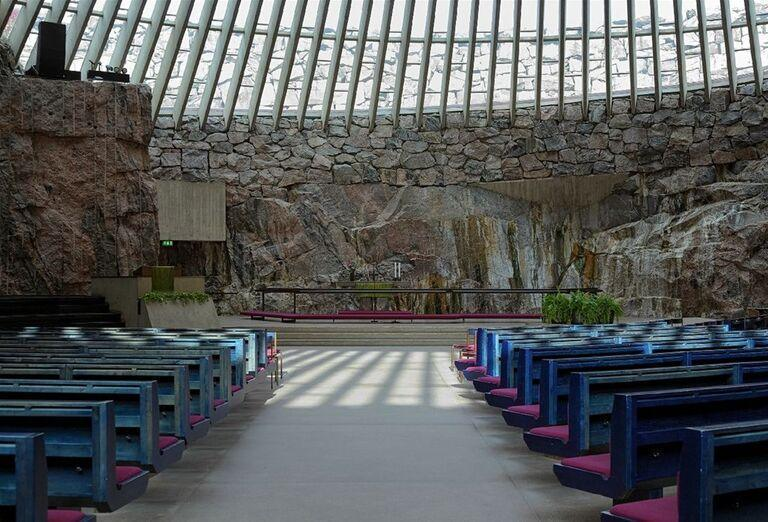 Interiér kostola Temppeliaukio
