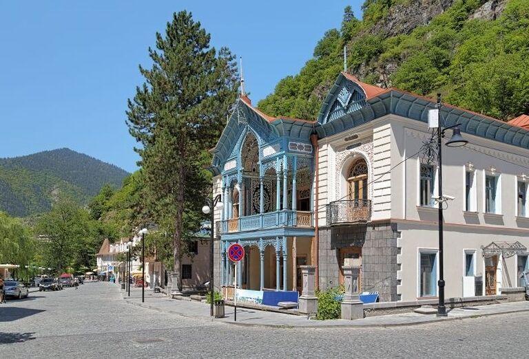 Západné Gruzínsko - pohľad na hotelový komplex