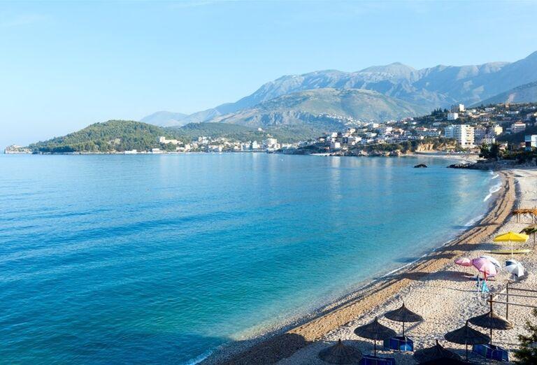 Albánsko - pláž pri mori