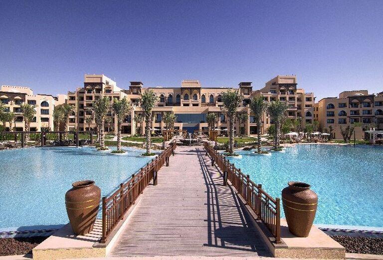 Vstup do hotela Saadiyat Rotana Resort & Villas Abu Dhabi