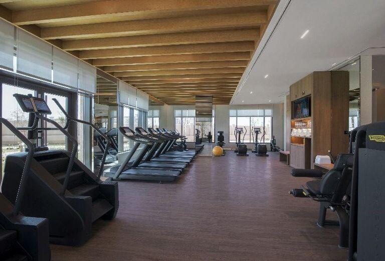 Fitnes v hoteli Saadiyat Rotana Resort & Villas Abu Dhabi