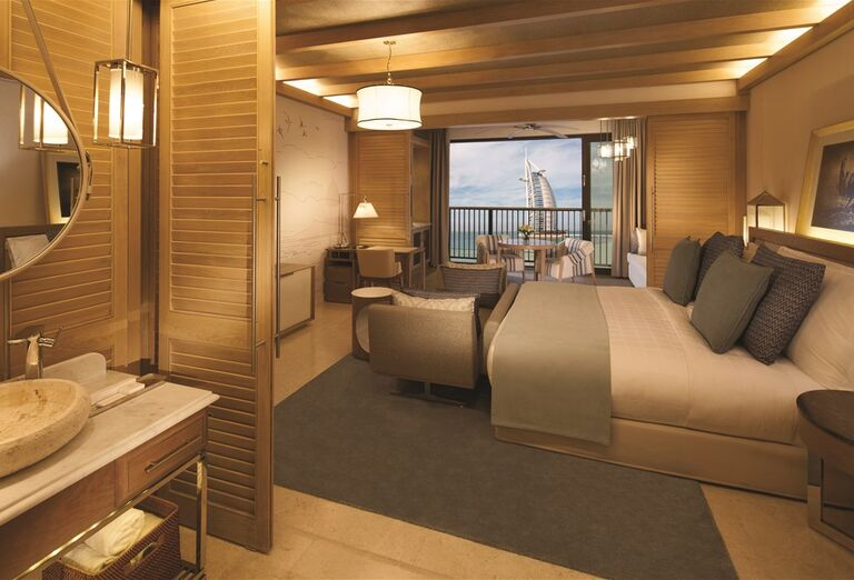 Priestranná izba hotela Madinat Jumeirah Al Naseem