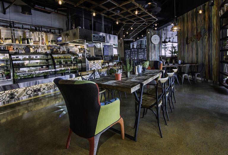 Bar s kaviarňou a cukrárňou v hoteli Anantara The Palm Dubai Resort