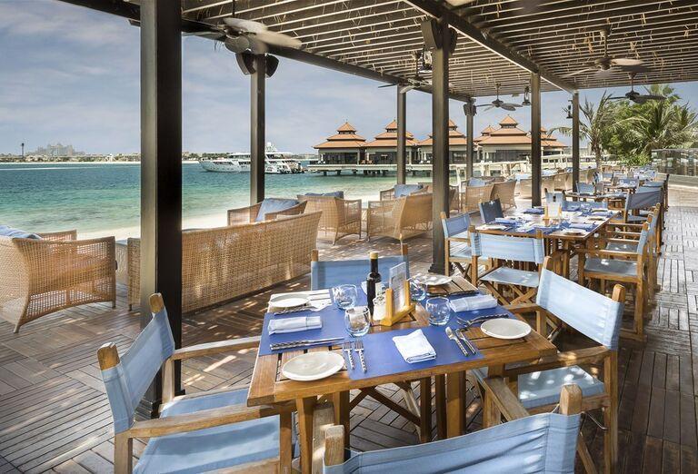 Reštaurácia s výhľadom na more v hoteli Anantara The Palm Dubai Resort