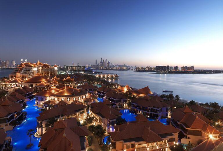 Pohľad na mesto a hotel Anantara The Palm Dubai Resort