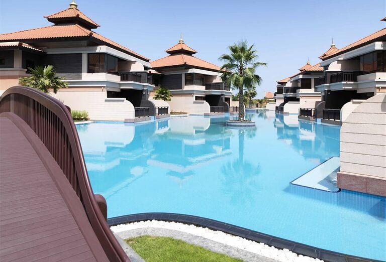 Pohľad na areál hotela Anantara The Palm Dubai Resort