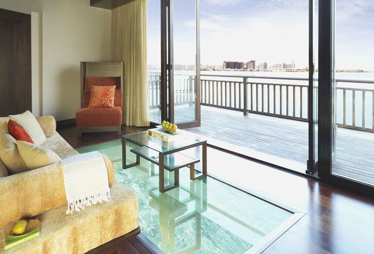 Izba s výhľadom na okolie hotela Anantara The Palm Dubai Resort