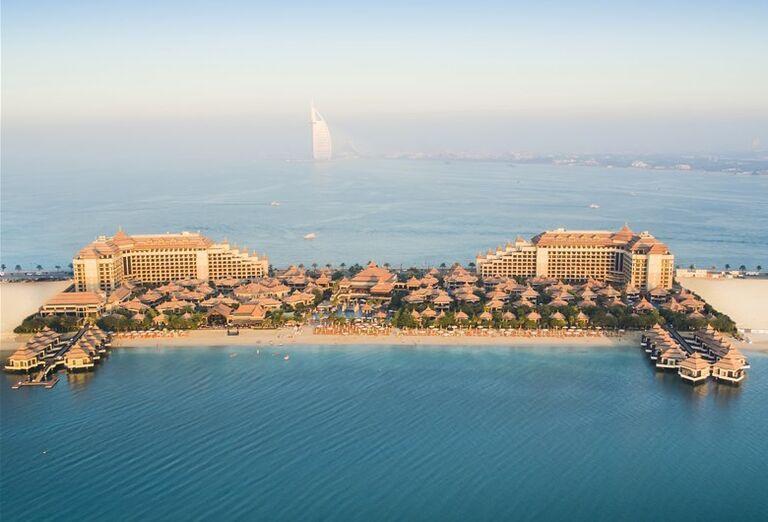 Pohľad na panorámu hotela Anantara The Palm Dubai Resort