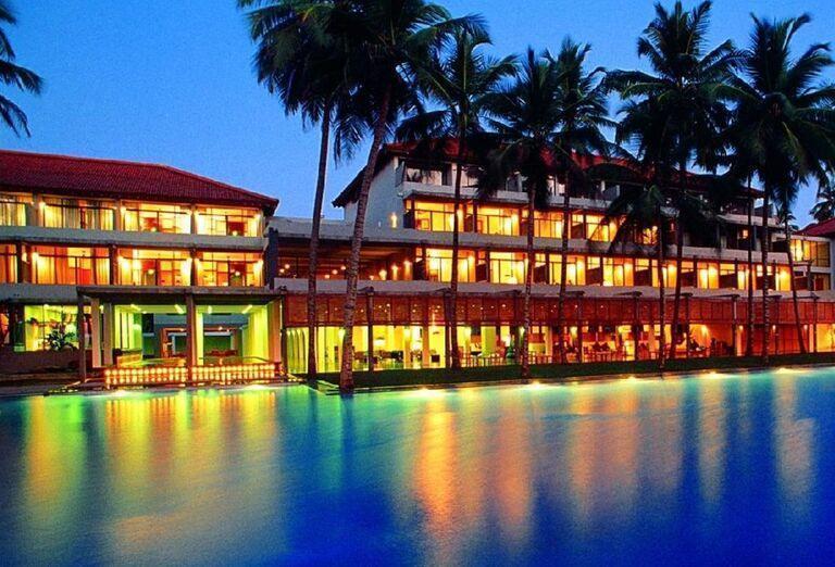 Hotel The Blue Water - Pohľad na okolie hotela