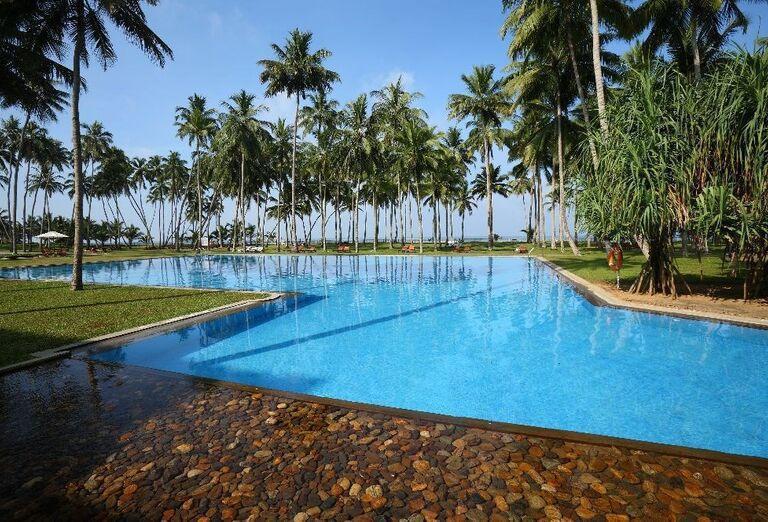 Vstup do bazéna v hoteli The Blue Water