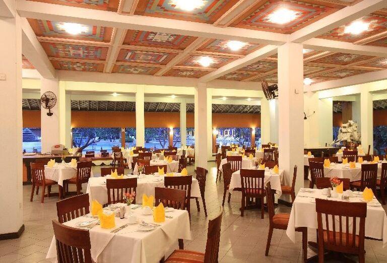 Stolovanie v hoteli Club Palm Bay