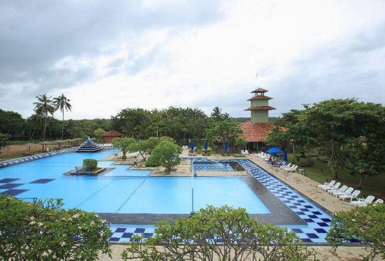Bazén v hoteli Club Palm Bay