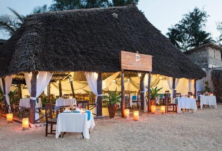 Krytá reštaurácia v hoteli Doubletree by Hilton Resort Nungwi