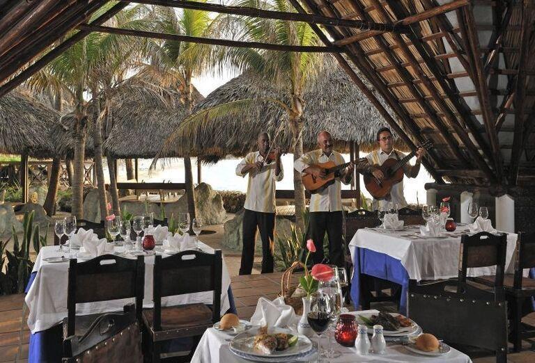 Kapela pri večeri v hoteli Meliá Varadero