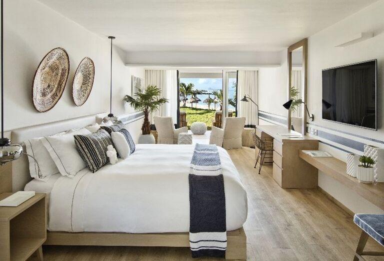Izba s výhľadom na more v hoteli LUX* Grand Gaube