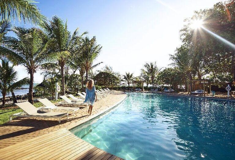 Bazén v hoteli LUX* Grand Gaube