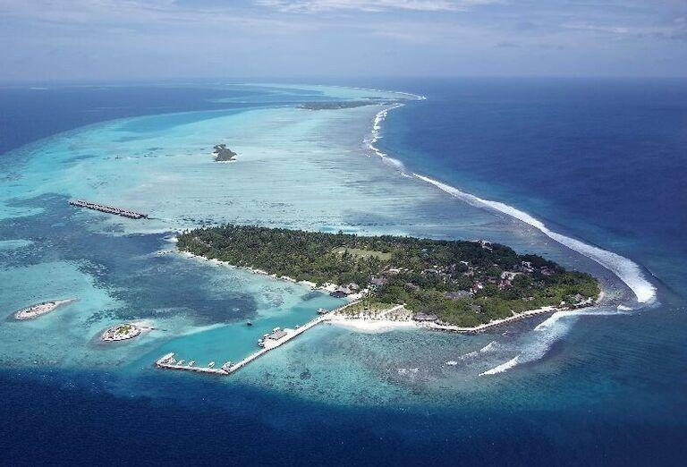 Ostrov s hotelom Adaaran Select Hudhuranfushi