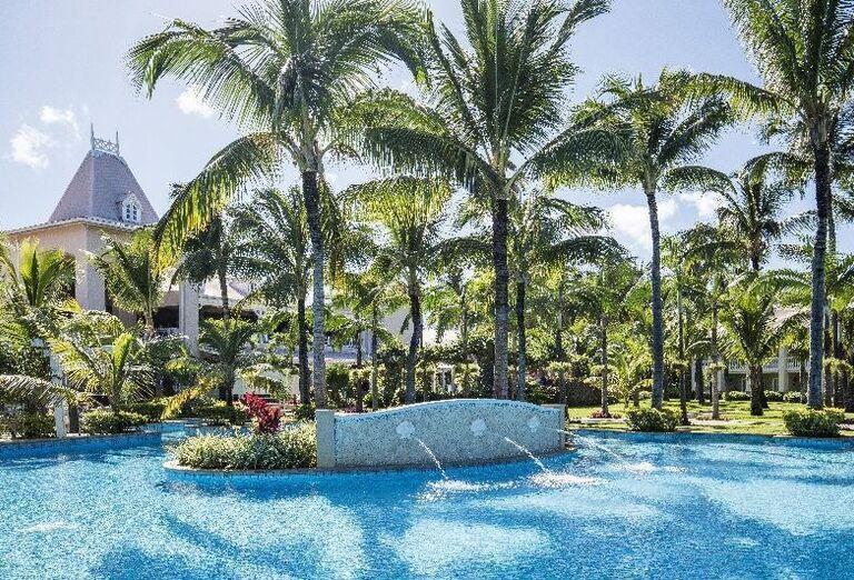 Bazén s tryskami v hoteli Sugar Beach - A Sun Resort Mauritius
