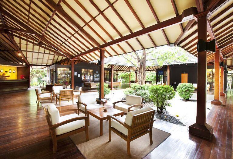 Interiér hotela Adaaran Select Meedhupparu