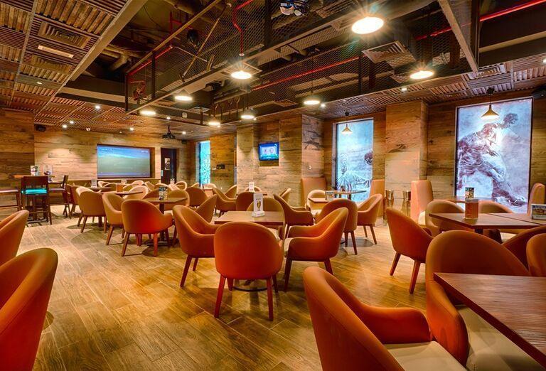 Sedenie v podniku v Hoteli City Max Bur Dubai.
