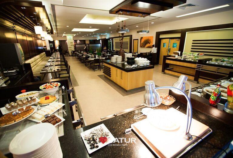 Reštaurácia v hoteli City Max Al Barsha at the Mall
