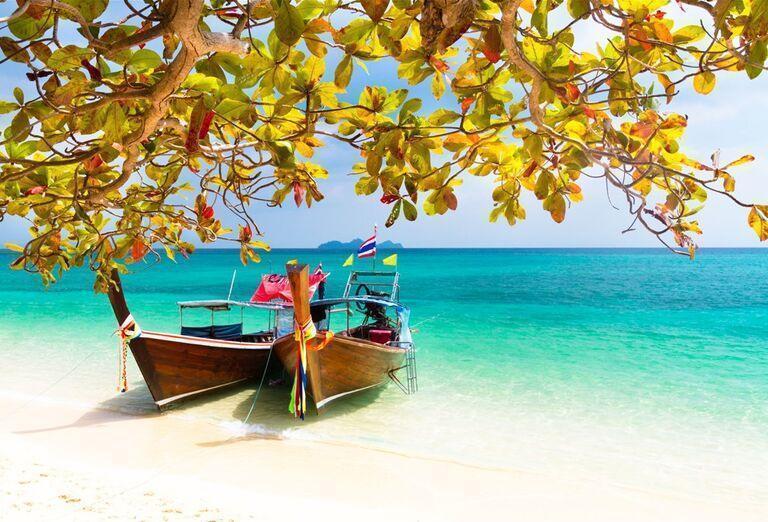 Výletná Loď Costa Fortuna - lode pri pláži