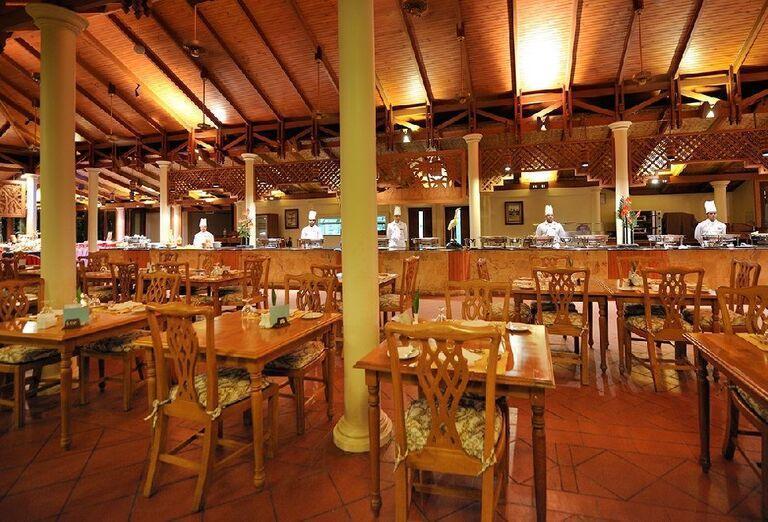 Reštaurácia v rezorte Royal Island Resort & Spa