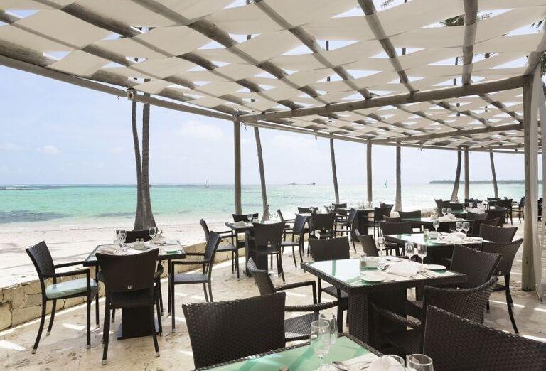 Posedenie s výhľadom na more v hoteli Barceló Bavaro Palace