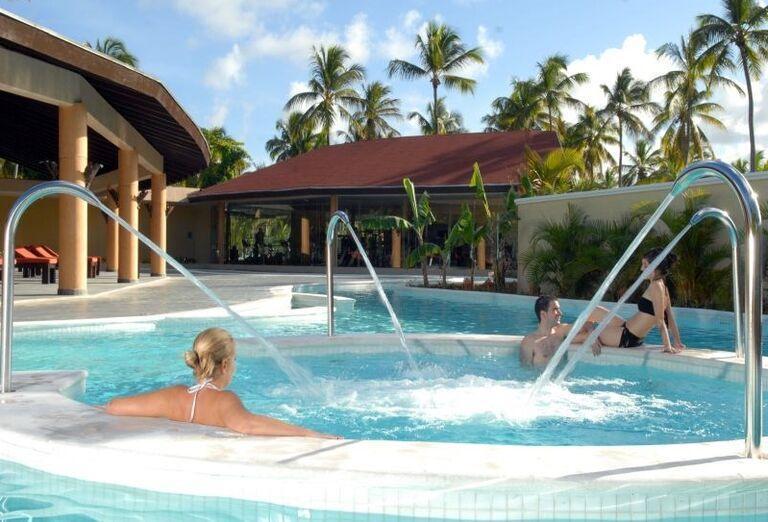 Vonkajší bazén v hoteli Barceló Bavaro Palace