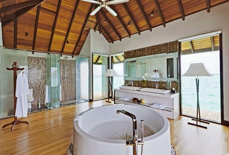 Kúpeľňa na izbe rezortu Velassaru Maldives