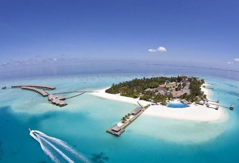 Ostrov s rezortom Velassaru Maldives