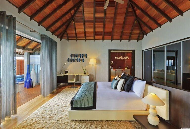 Priestranná izba v rezorte Velassaru Maldives