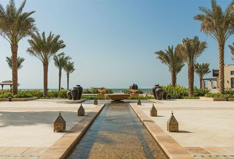 Hotel Ajman Saray - fontána