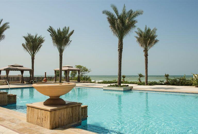 Bazén Hotel Ajman Saray