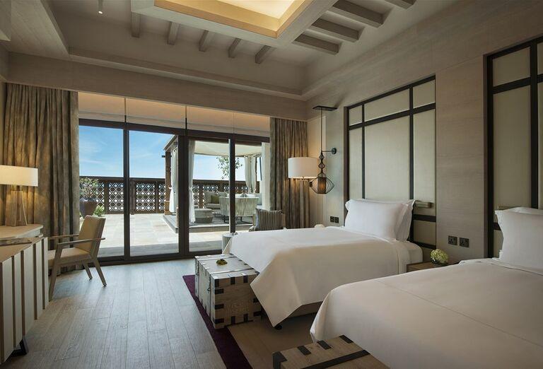 Izba s výhľadom na more v hoteli Saadiyat Rotana Resort & Villas Abu Dhabi