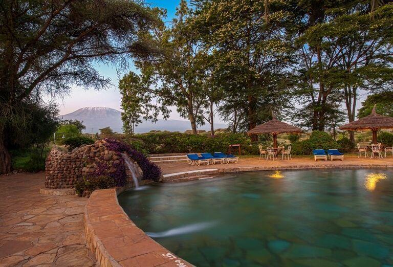 Keňa - Dokonale safari a oddych na bielej pláži- fontána
