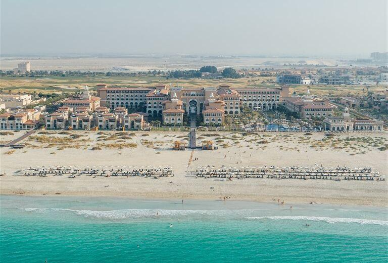 Pohľad na pláž Rixos Saadiyat Island Abu Dhabi