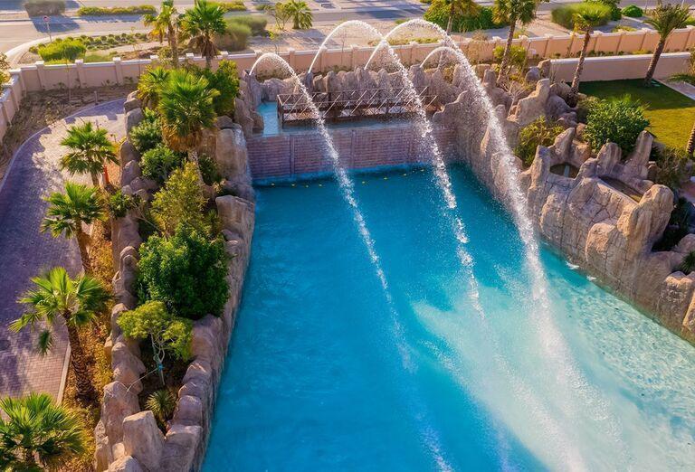 Bazén s fontánou Rixos Saadiyat Island Abu Dhabi