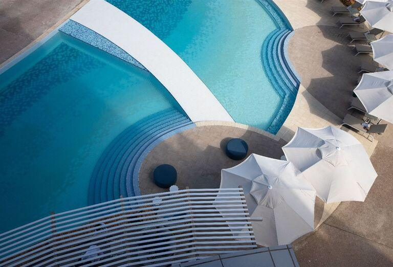 Bazén v hoteli