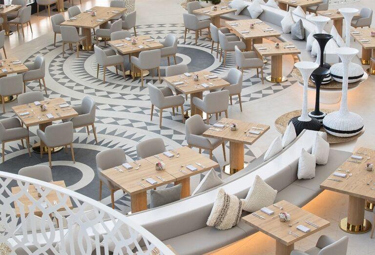 Posedenie v reštaurácií