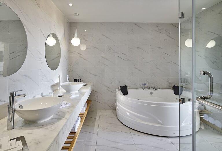 Hotel Steigenberger Pure Lifestyle - kúpeľňa