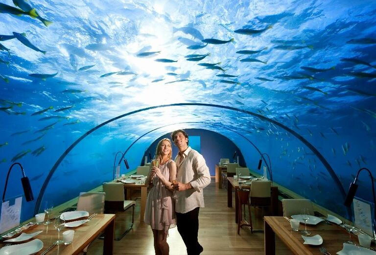 Hotelový Resort Hotel Conrad Maldives Rangali Island - reštaurácia pod morom