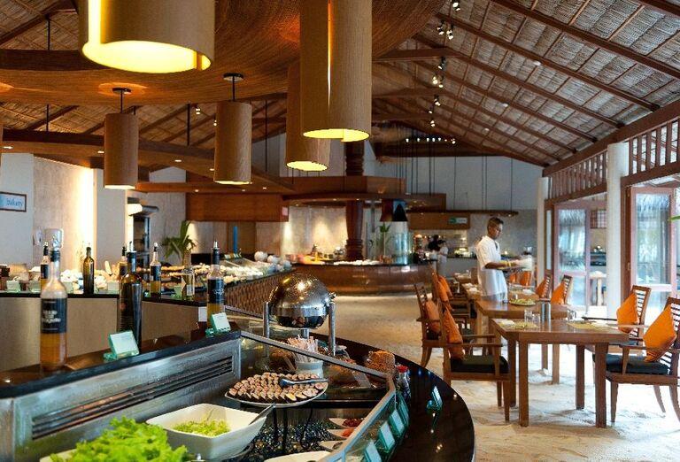 Švédske stoly v hoteli Conrad Maldives Rangali Island