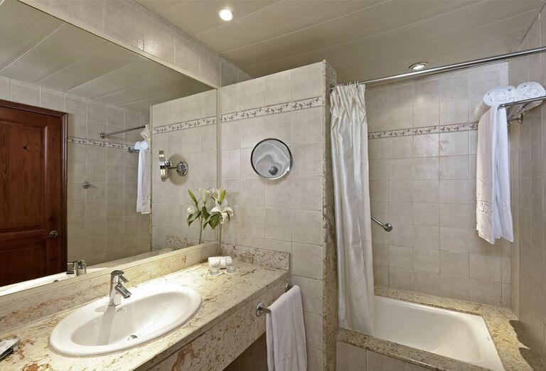 Hotel Iberostar Hacienda Dominicus - kúpeľňa